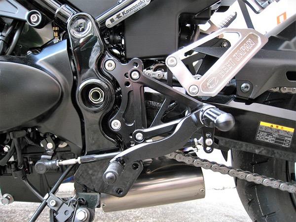 カワサキ Z900RS BEET(ビート) ハイパーバンク ブラック/シルバー仕様